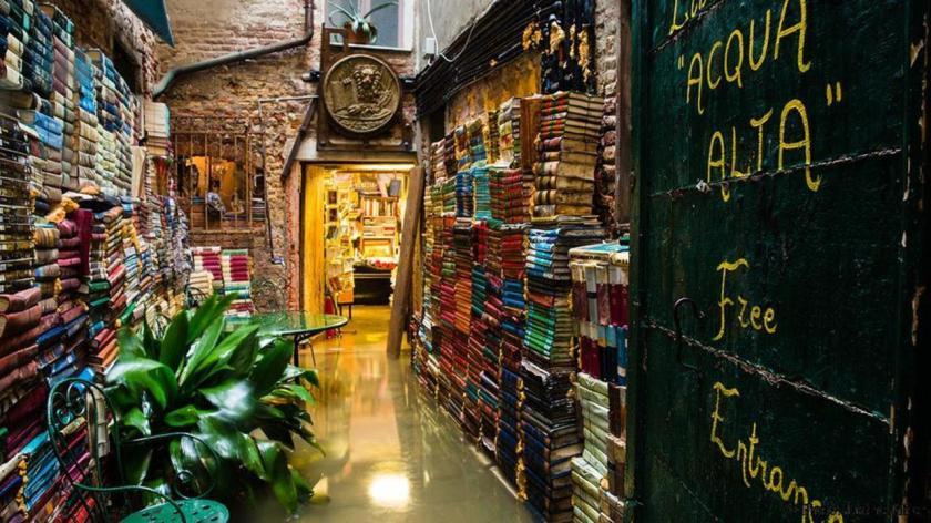 libreria-acqua-alta-venedig