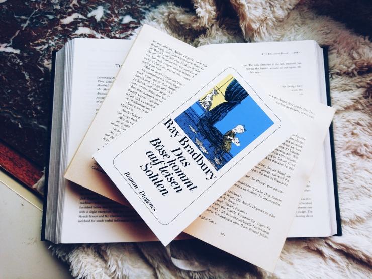 Ray Bradbury Das Böse kommt auf leisen Sohlen Rezension Roman Diogenes Verlag